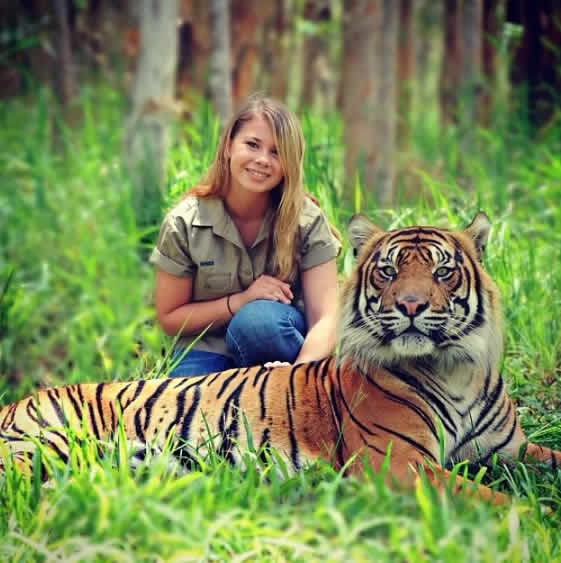Fotos Con Animales Bindi Irwin Hija De Steve Irwin